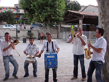 Orchestre Triangle - spectacle fête votive