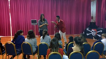 Magicien pour les enfants Rotary Club à Holiday Inn Nîmes