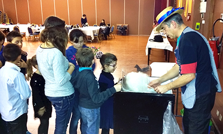 Stand barbe a papa - Animations pour les enfants Rotary Club à Holiday Inn Nîmes