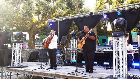 DJ Triangle à Génolhac pour la fête votive avec groupe flamenco gitan.