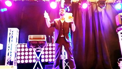 Animation fête du village en Lozère avec DJ et magicien Triangl