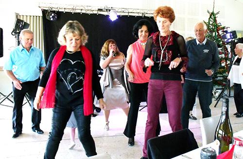 Animation repas dansant des aînés Groupe Triangle Gard